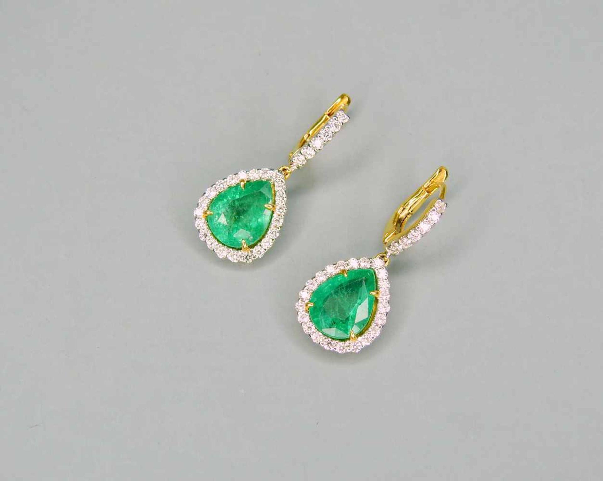Edle Smaragd-Ohrringe18 K Gelbgold. Qualitative, elegante Ohrringe mit kolumbianischen