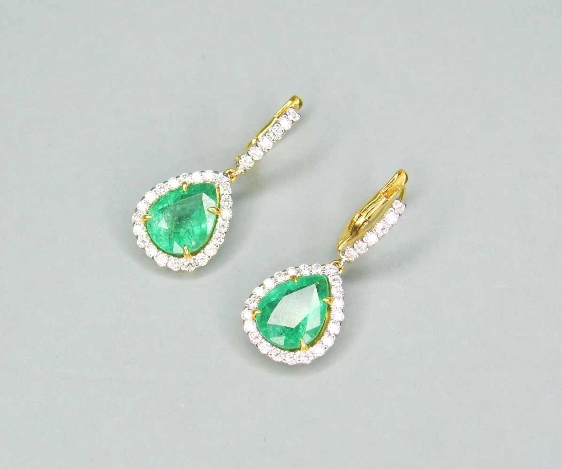 Edle Smaragd-Ohrringe18 K Gelbgold. Qualitative, elegante Ohrringe mit kolumbianischen - Image 2 of 2