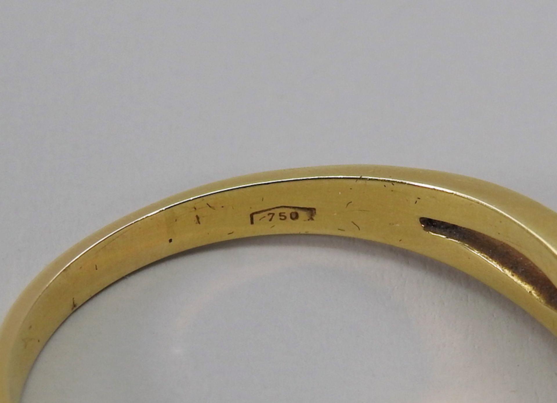 Schwerer Diamant-Ring18 K. Gelbgold. Herren-Ring mit zentralem Diamant-Besatz von ca. - Image 6 of 6
