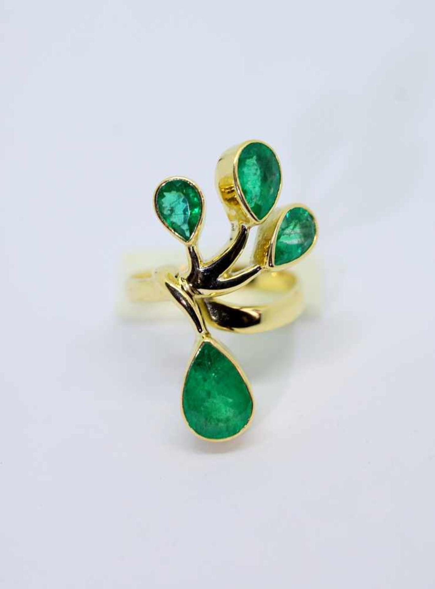 Außergewöhnlicher Smaragdring18 K Gelbgold. Damenring in Blumenform, besetzt mit 4 k - Image 2 of 4