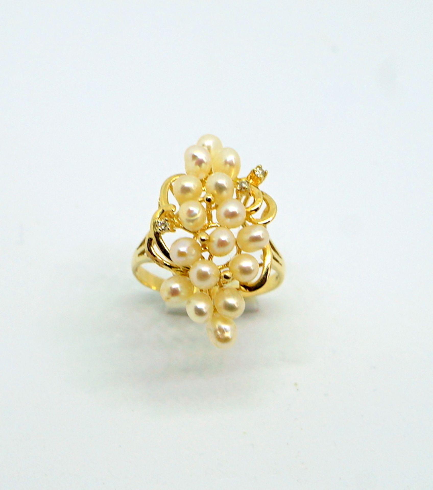 Feiner Perlenring14 K Gelbgold. Prächtiger Damenring besetzt mit kleinen Perlen, flan - Image 4 of 4