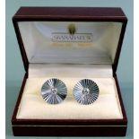 Manschettenknöpfe mit Diamantbesatz18 K Weißgold. Paar hochwertige Manschettenknöpf