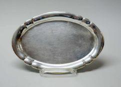 Kleines SilbertablettSilber 830, am Boden mit Feingehaltsstempel, Halbmond und Krone s