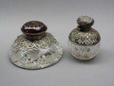 Zwei TintenfässerGlas und Sterling Silber 925, jeweils mit schreitendem Löwen für E
