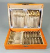 Besteck-Set für zwölf Personen im KastenSilber 800, am Stiel einzeln mit Feingehalts