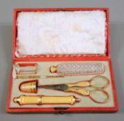 Seltenes exquisites Nähset 14 K Gold. Das Set besteht aus 6 Teilen, darunter 1 Nadelb