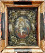 Klosterarbeit mit der Gottesmutter und Kind Koloriertes Wachsrelief. Die Gottesmutter