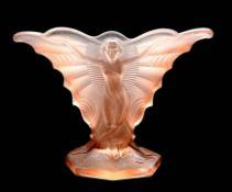 Wohl René Jules Lalique, 1860 Champagne - 1945 Paris Rosafarbenes Glas im Model geformt. S