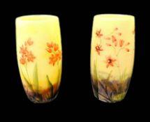Daum, Paar Jugendstil-Vasen Walzenförmiges, mehrfach überfangenes Glas, mit farbigen