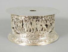 Reich verziertes Kannenrechaud Silber 800, am Boden einzeln mit Feingehaltsstempel sow