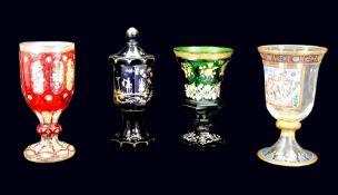 Konvolut von Gläsern Glas. Konvolut bestehend aus 4 Gläsern, darunter 1 vielfach fac