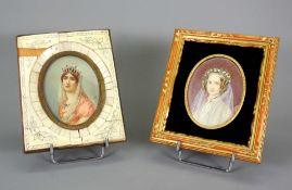 Paar Biedermeier-Miniaturen Gouache/Bein. Brustbildnis zweier Damen mit fein gearbeite