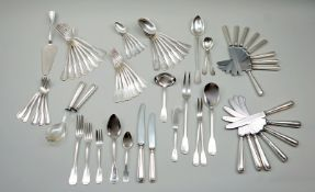 Umfangreiches Silber-Restbesteck Silber 800, vorwiegend mit Halbmond und Krone, Feinge