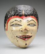 Wayang-MaskeHolz, geschnitzt u. polychrom gefasst. Requisite des traditionellen indonesischen