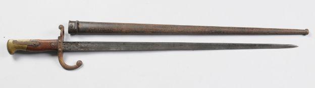 Französisches BajonettSeitengewehr mit Holz- u. Messingknauf mit Arretierknopf sowie Eisengr