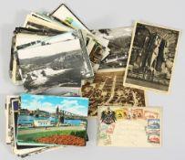 Konvolut PostkartenCa. 120 Postkarten, meist gelaufen und beschrieben, mit Briefmarken und St