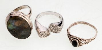 Konvolut Ringe3-tlg. 835er/ 925er Silber. Versch. Materialien, Onyx, Bergkristall u. Labrador