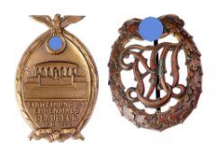 Paar AbzeichenVersch. Materialien, Ausführungen u. Erhaltungszustände, 1 x dat. 1934. Versc