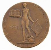 Eyermann, Bruno(1888 Leipzig - 1961 Hanau) Bronze, patiniert. Medaille zum 30-jähriges Beruf