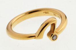 Brillant-Ring585er GG. Gewölbte Ringschiene. Schaus. ornamentale Form, besetzt mit kl. Brill
