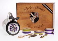 Konvolut Couleurgegenstände des A.Th.V. Vartburgia Halle8-tlg. Holzschatulle, Deckelkrug, Go
