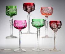 Konvolut Römer6-tlg. Farbloses Kristallglas, part. rot, grün bzw. roséfarben überfangen.