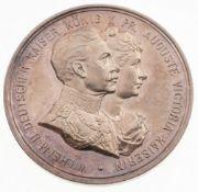Medaille Preußen, Wilhelm II.Silber, patiniert. Medaille auf die Silberhochzeit mit Auguste