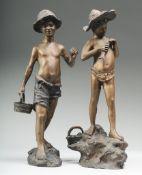 Paar FigurenRégule, bronzefarben gefasst. Zwei Jungen beim Angeln mit Fischkörben. Je sign.