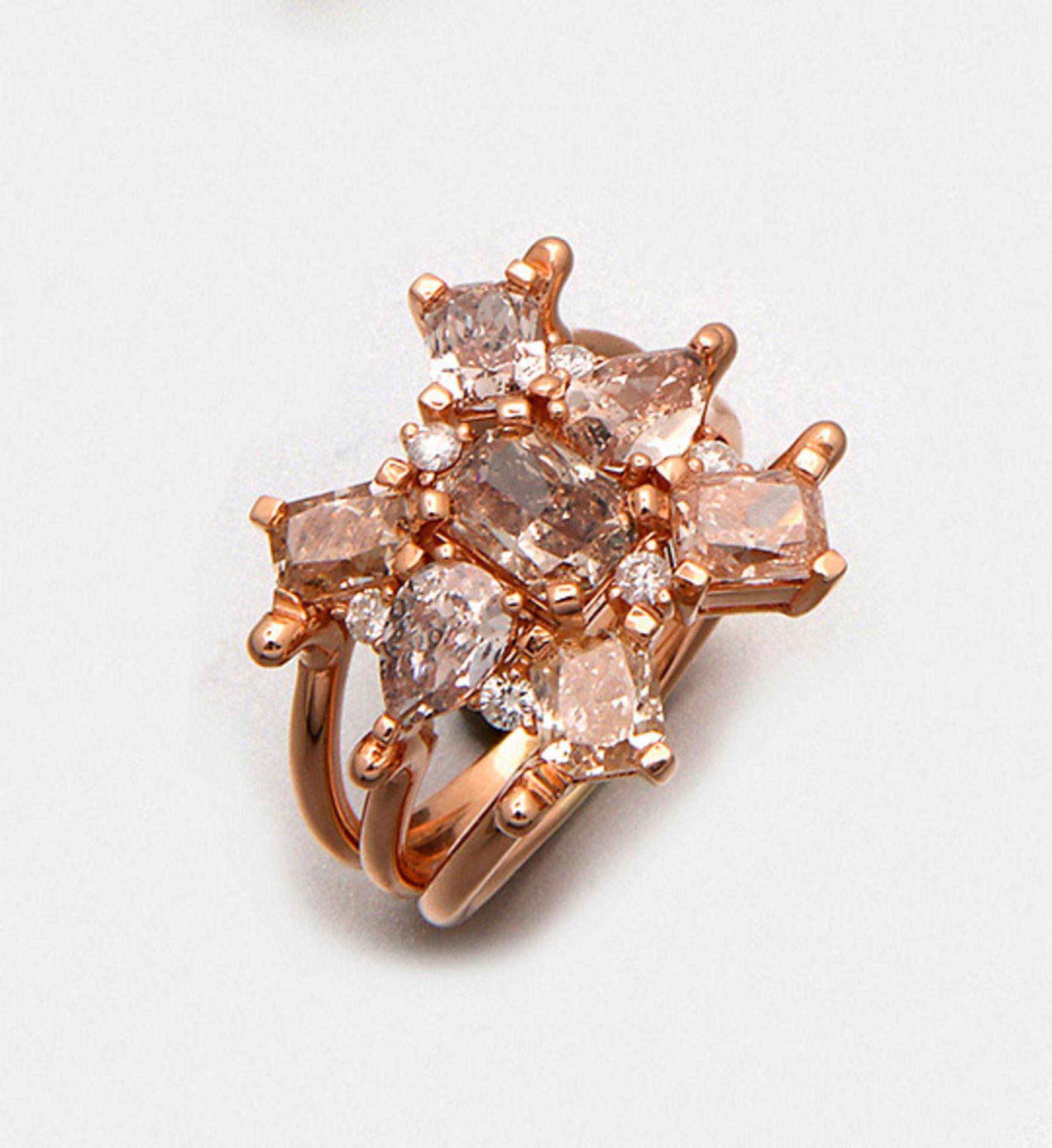 Extravaganter Natural Fancy-Pink-Brown-Diamantring