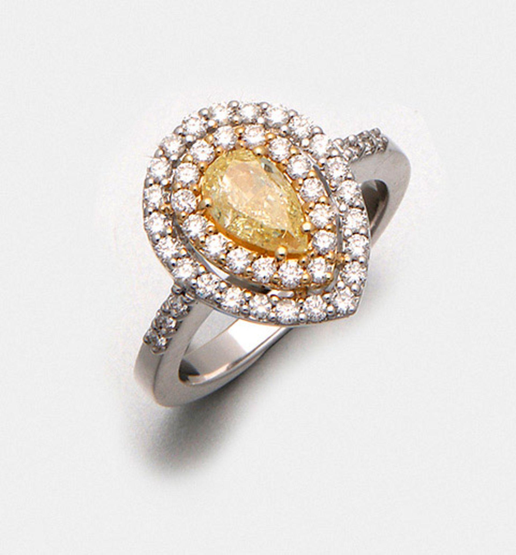Hochfeiner Natural Fancy-Yellow-Diamantring