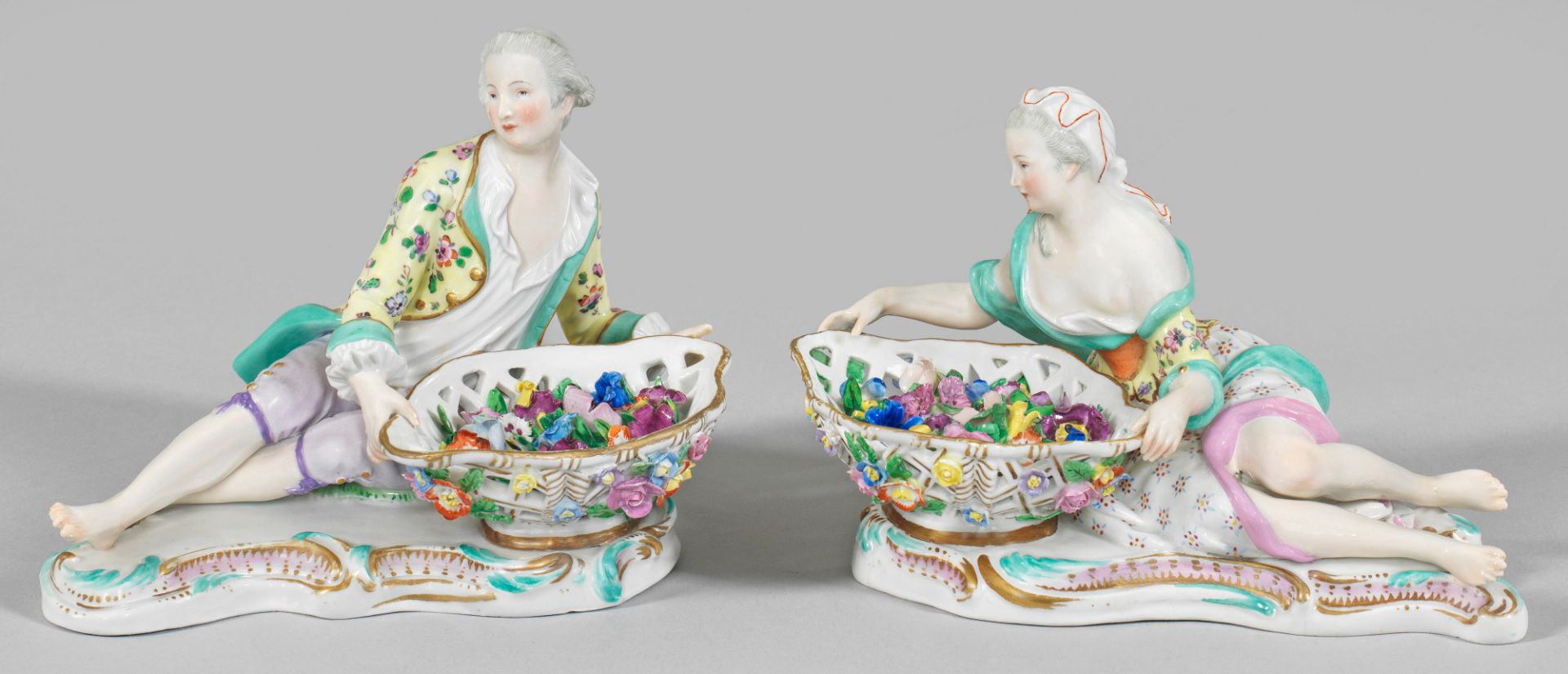 Dame und Kavalier mit Blumenschale