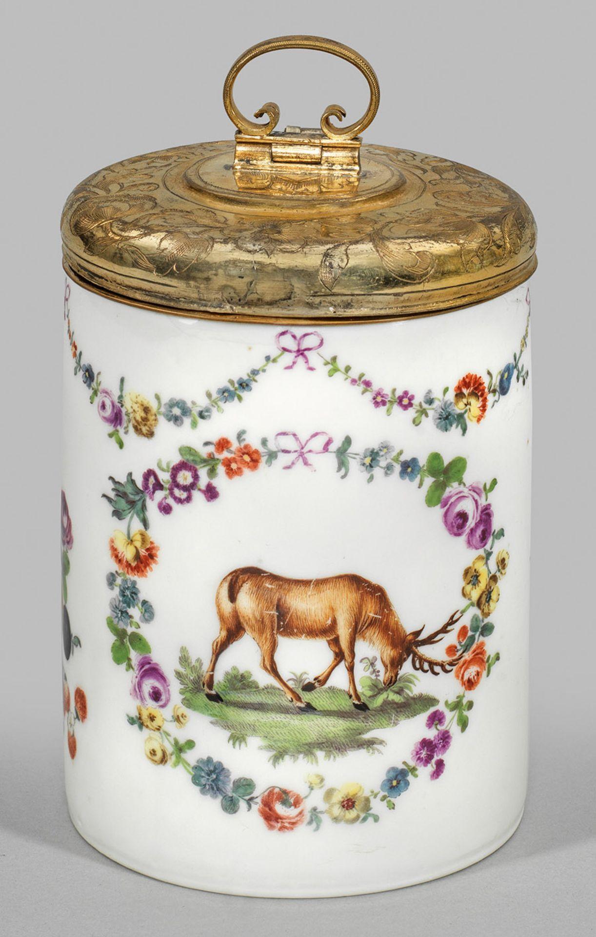 Deckelhumpen mit Hirsch- und Blumendekor - Bild 2 aus 2