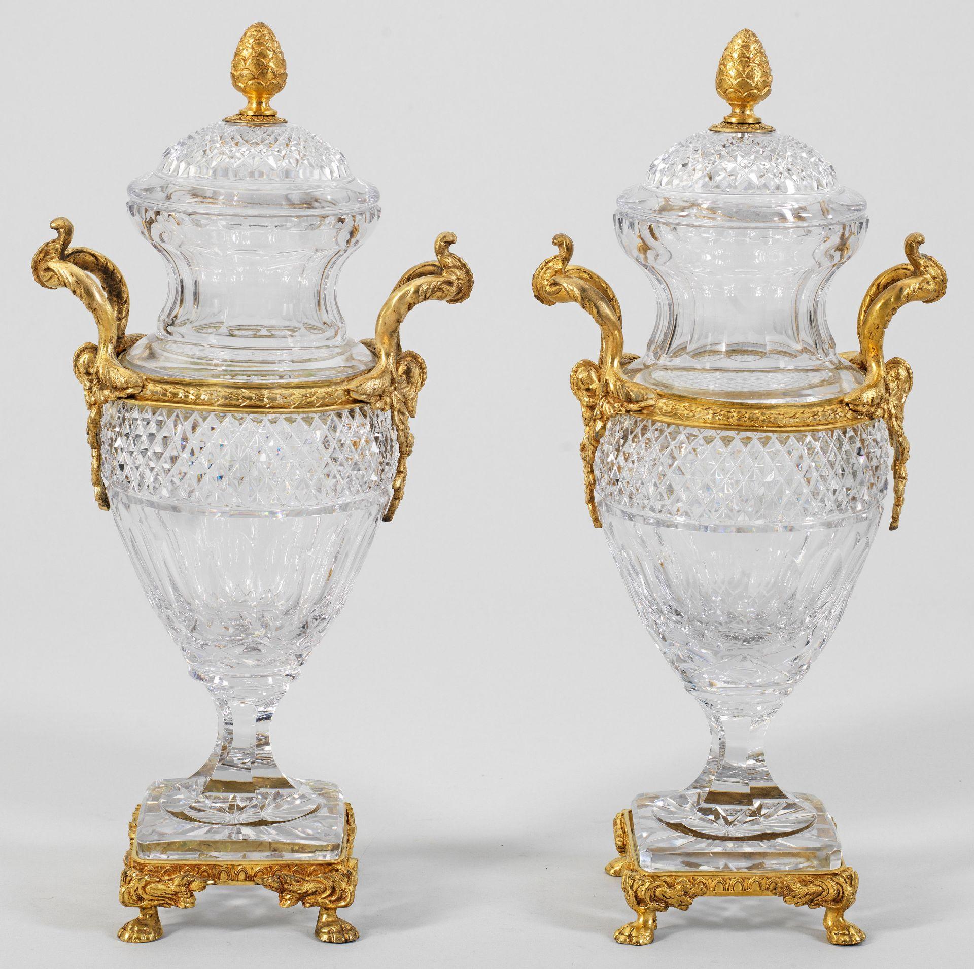 Paar repräsentative Kristallvasen