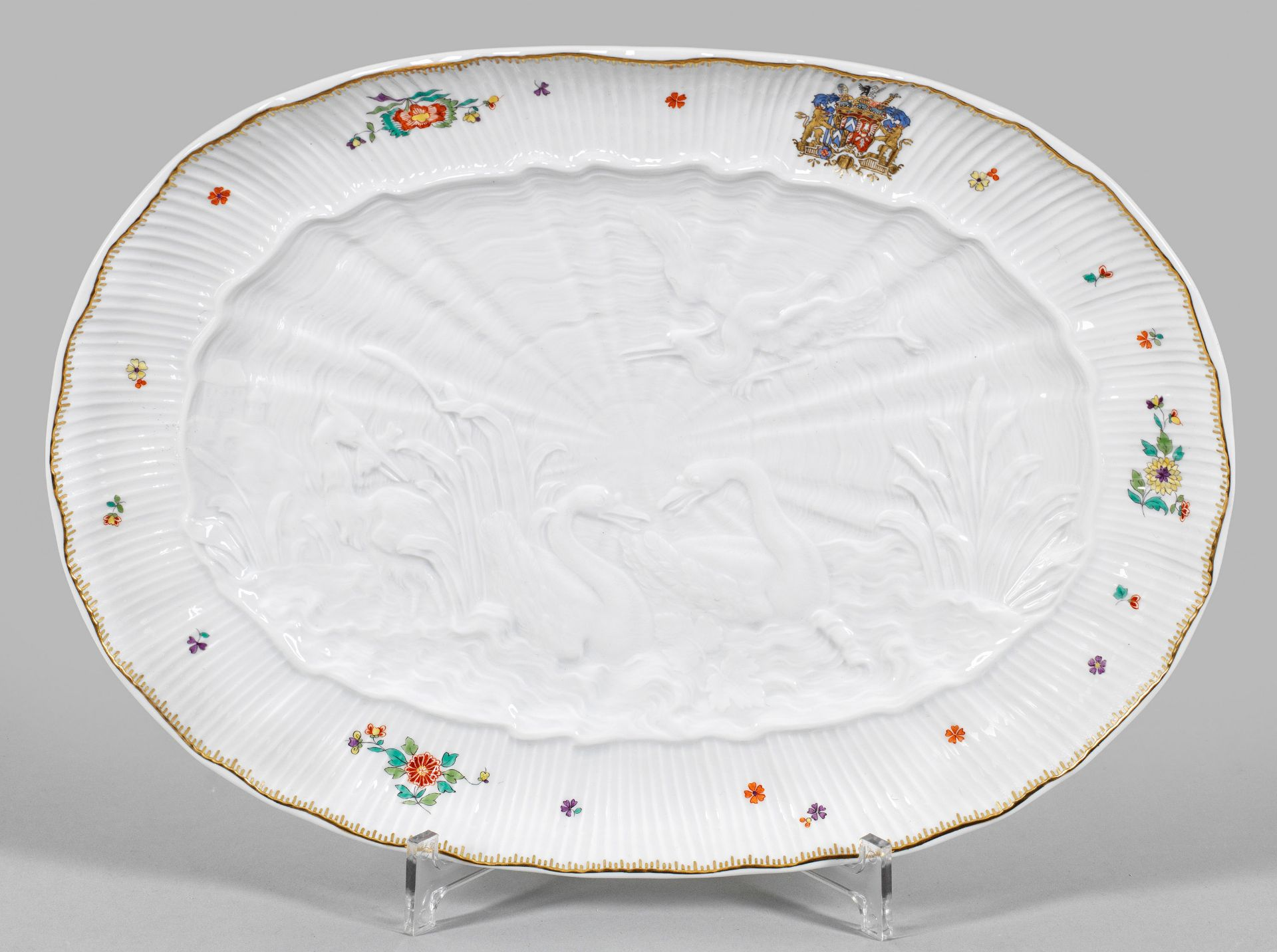 Ovale Anbietplatte mit Schwanenservice-Dekor