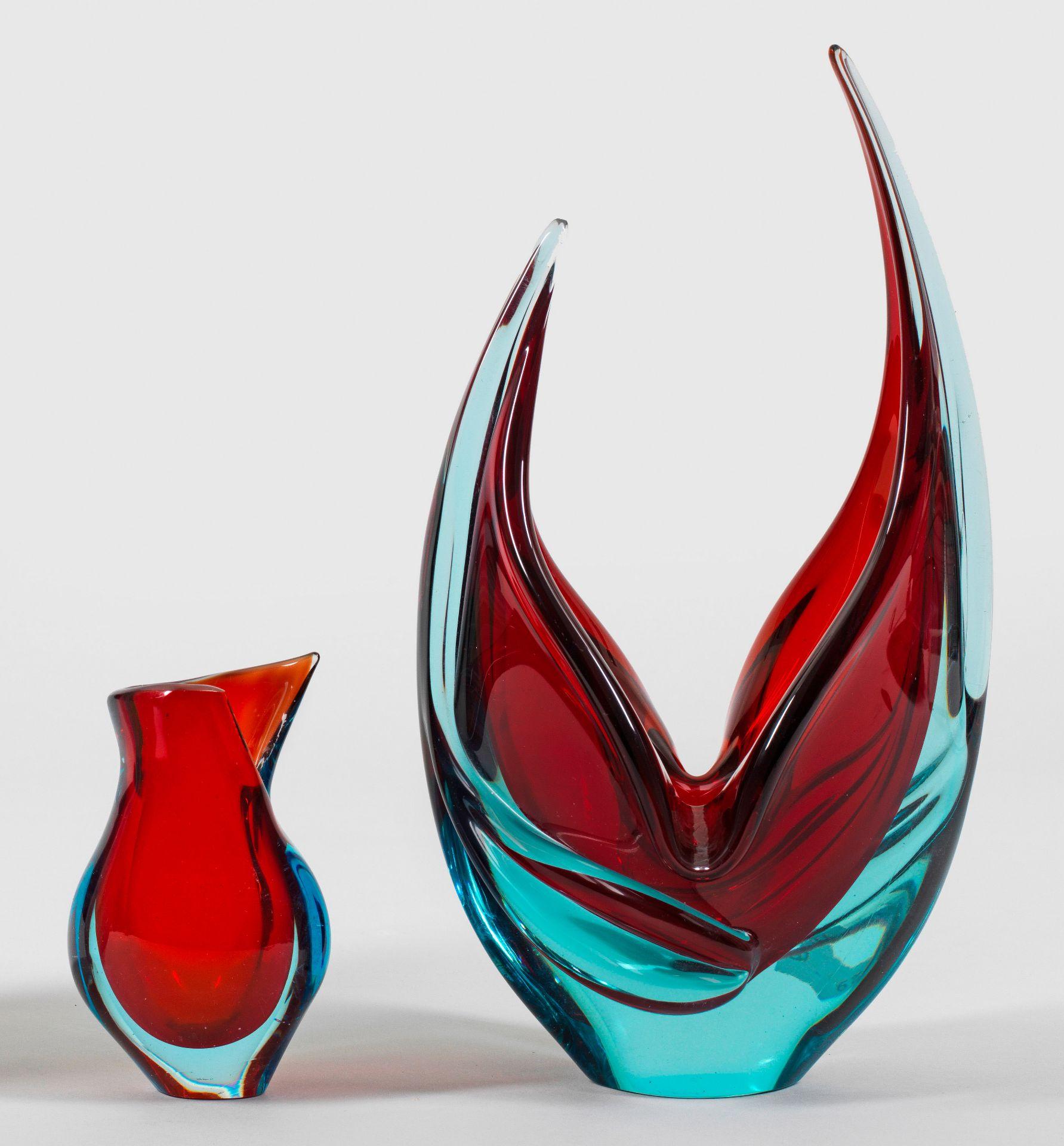 Zwei moderne Murano-Glasvasen