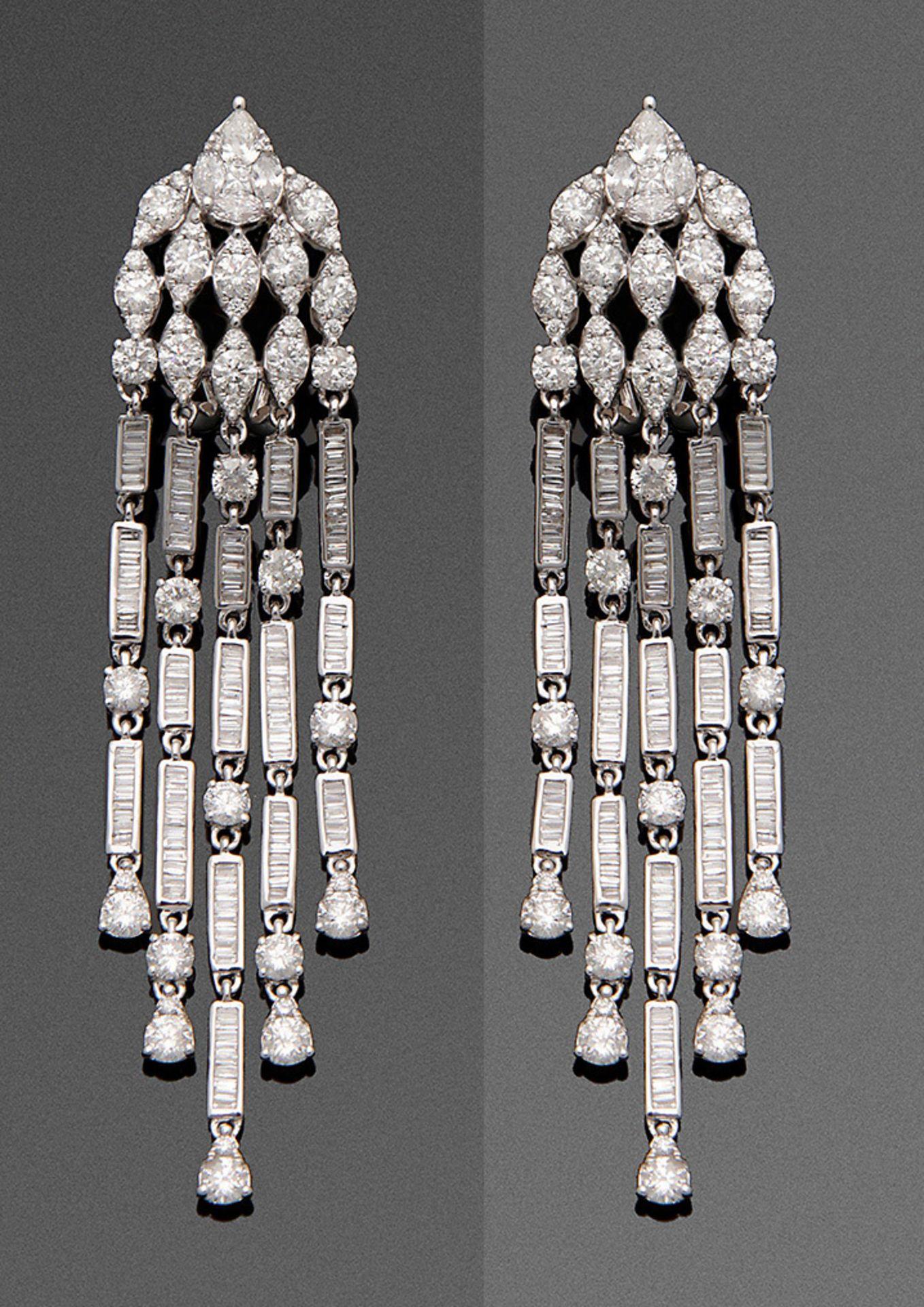 Paar hochfeine Diamant-Chandeliers