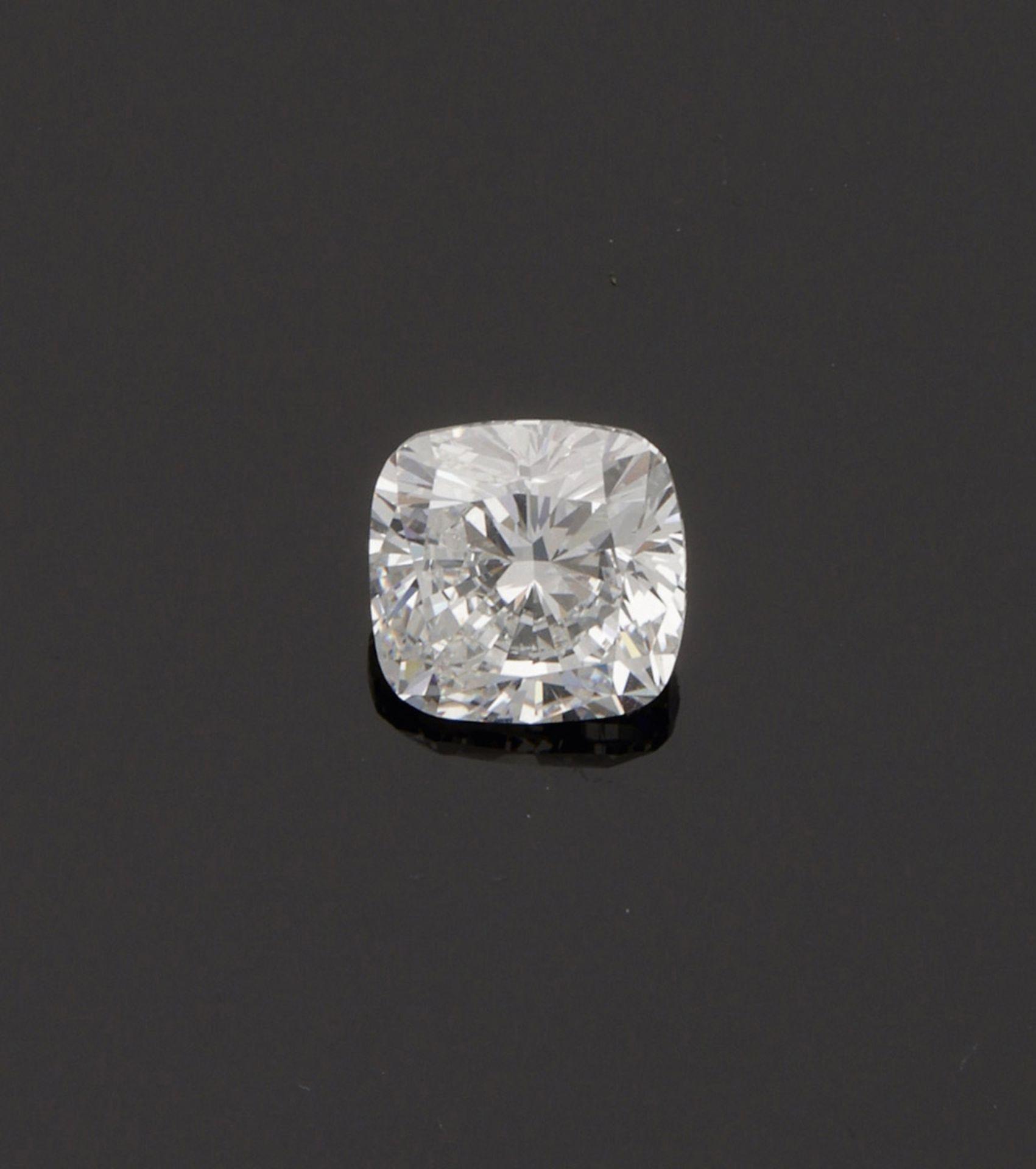 Exquisiter Diamant-Solitär im Cushioncut