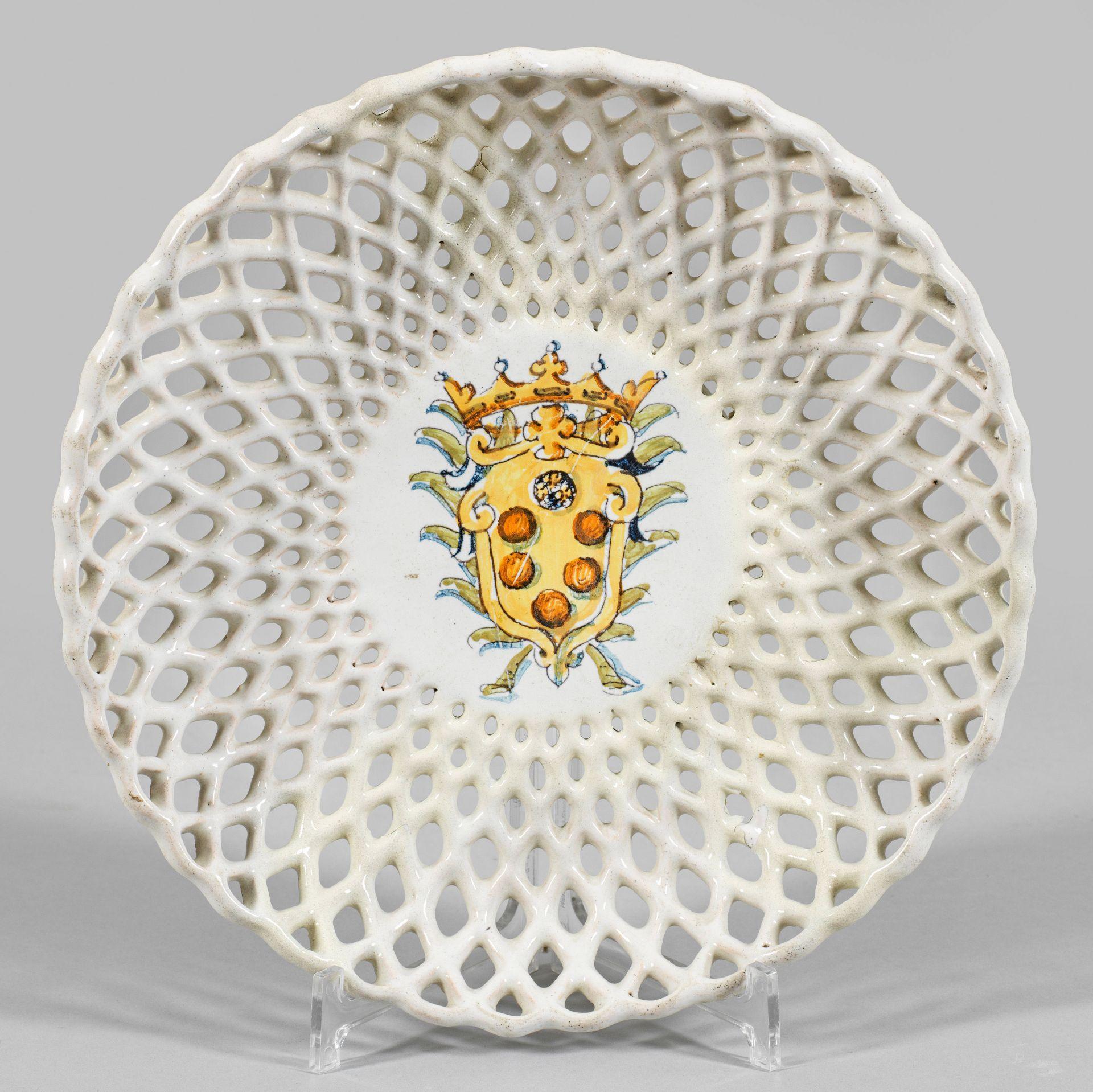 Majolika-Durchbruchschale mit Medici-Wappen