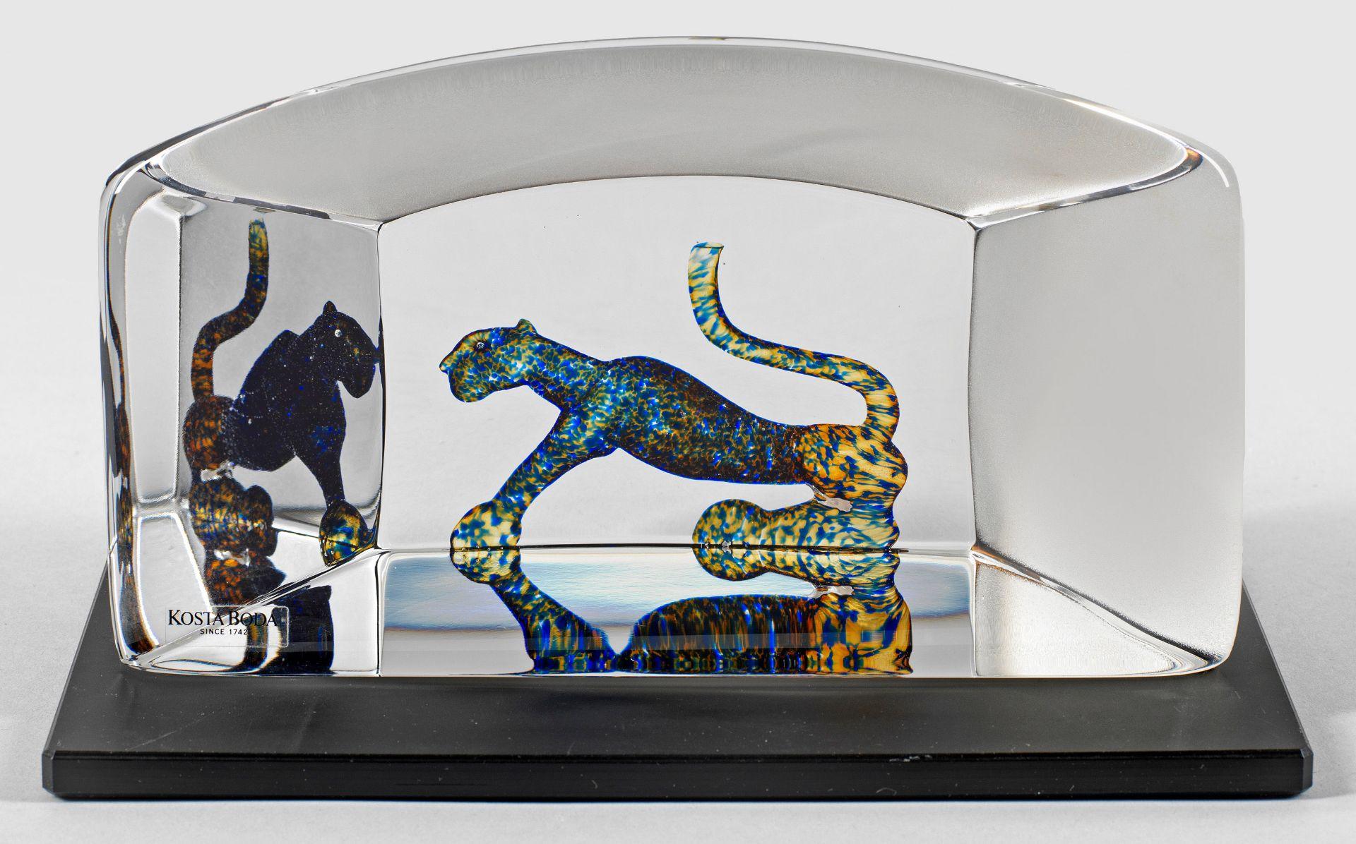 Glasobjekt mit Panther
