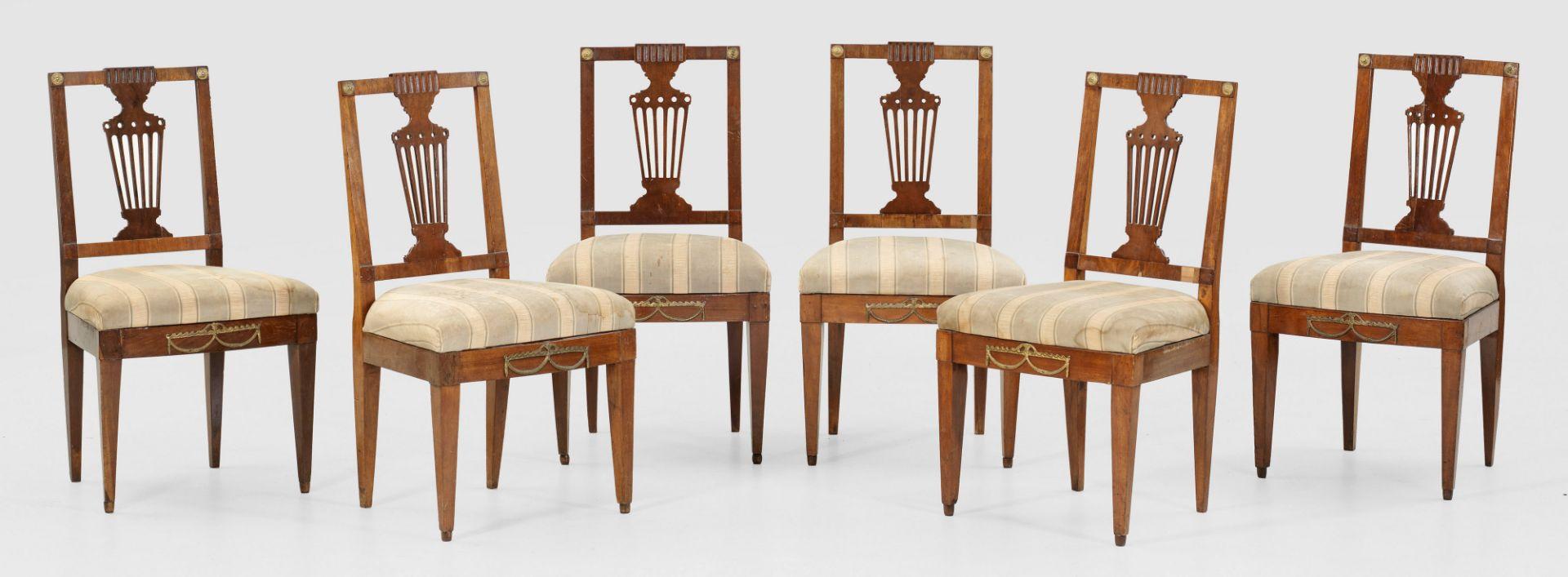 Satz von sechs klassizistischen Stühlen