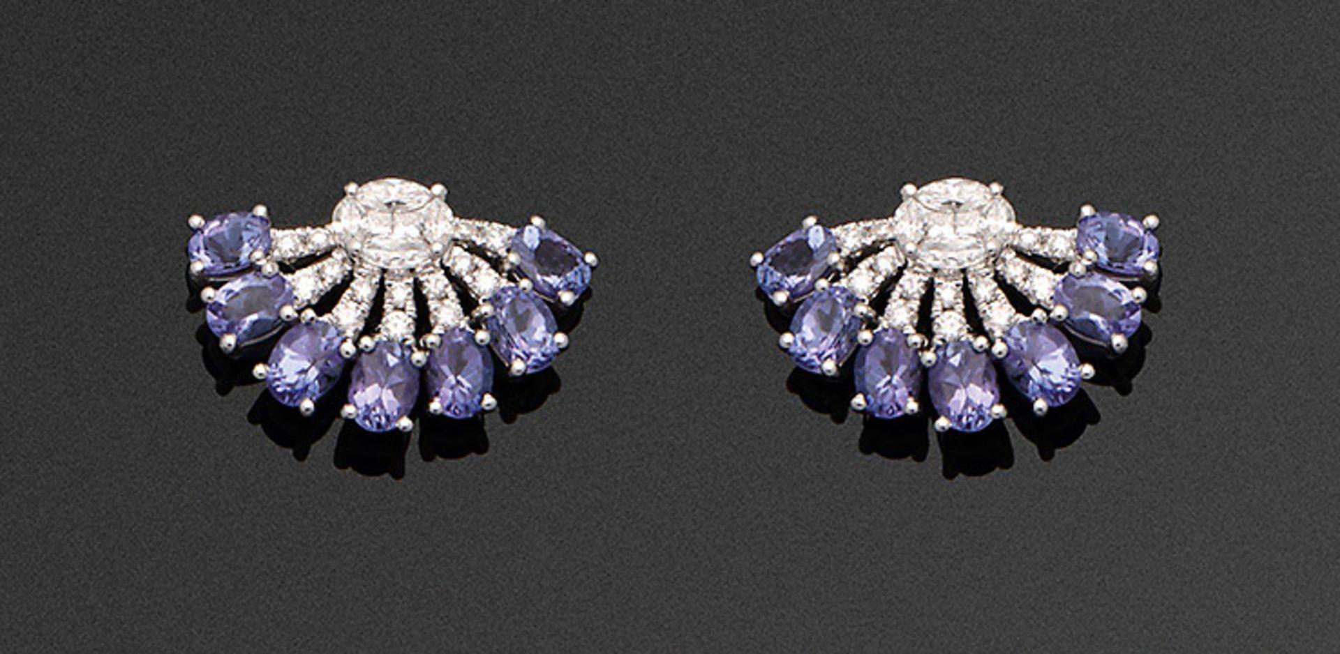 Paar elegante Tansanit-Brillantohrringe
