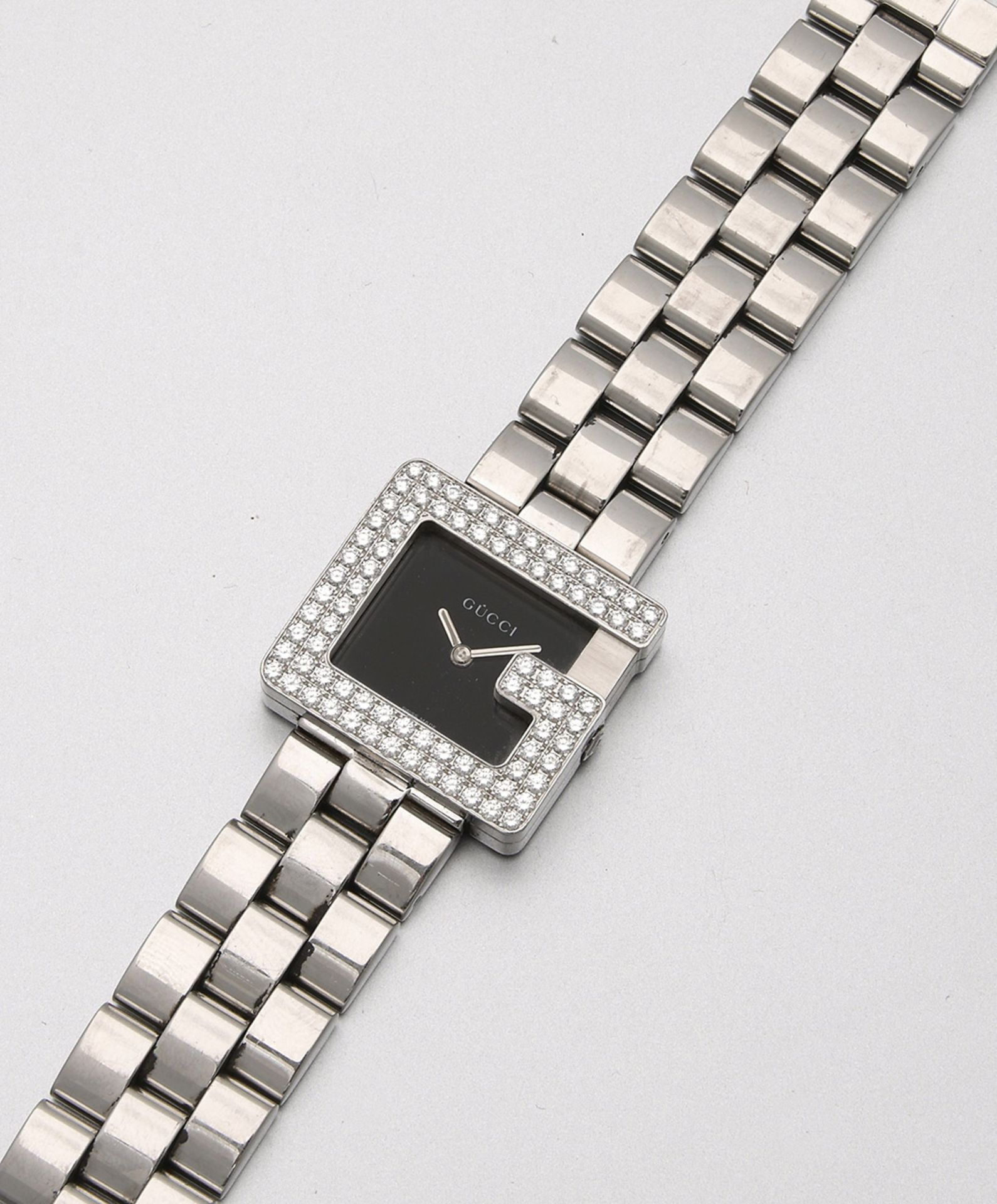 "Gucci-Damenarmbanduhr ""P"" mit Diamanten von 2001"