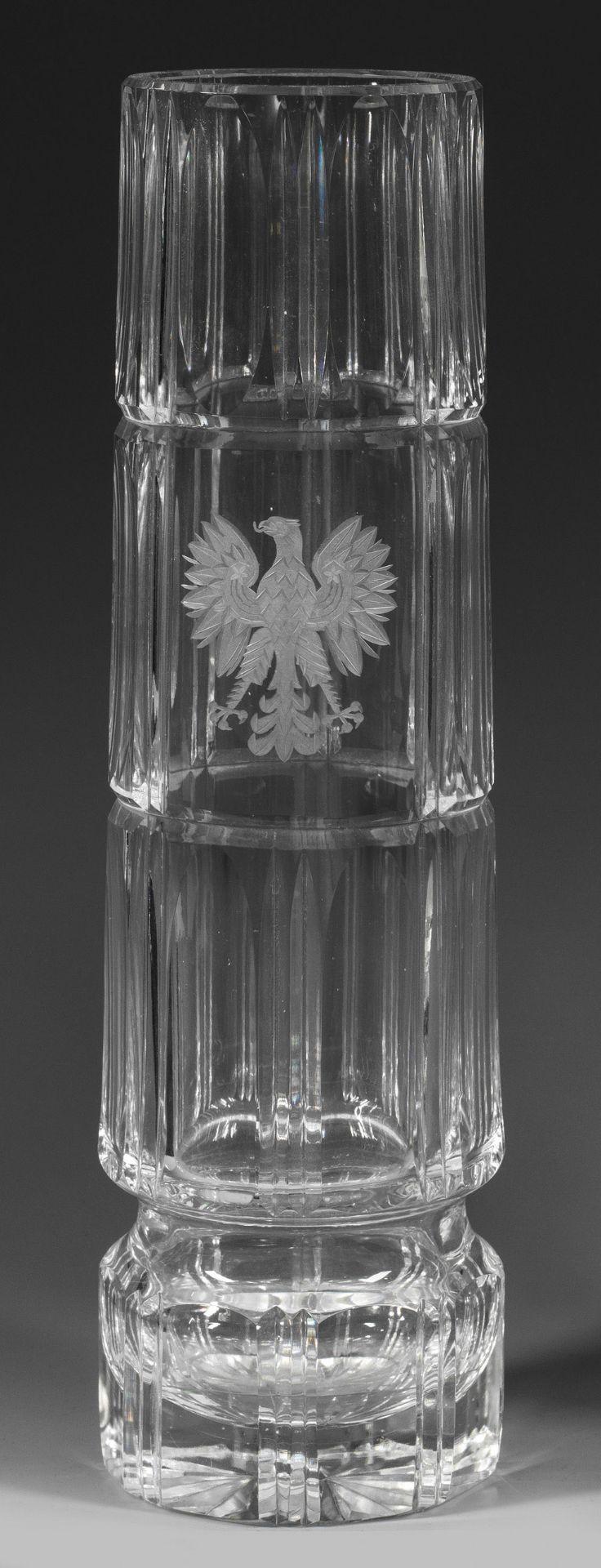 Große Bleikristall-Vase mit geschnittenem Adler-Motiv
