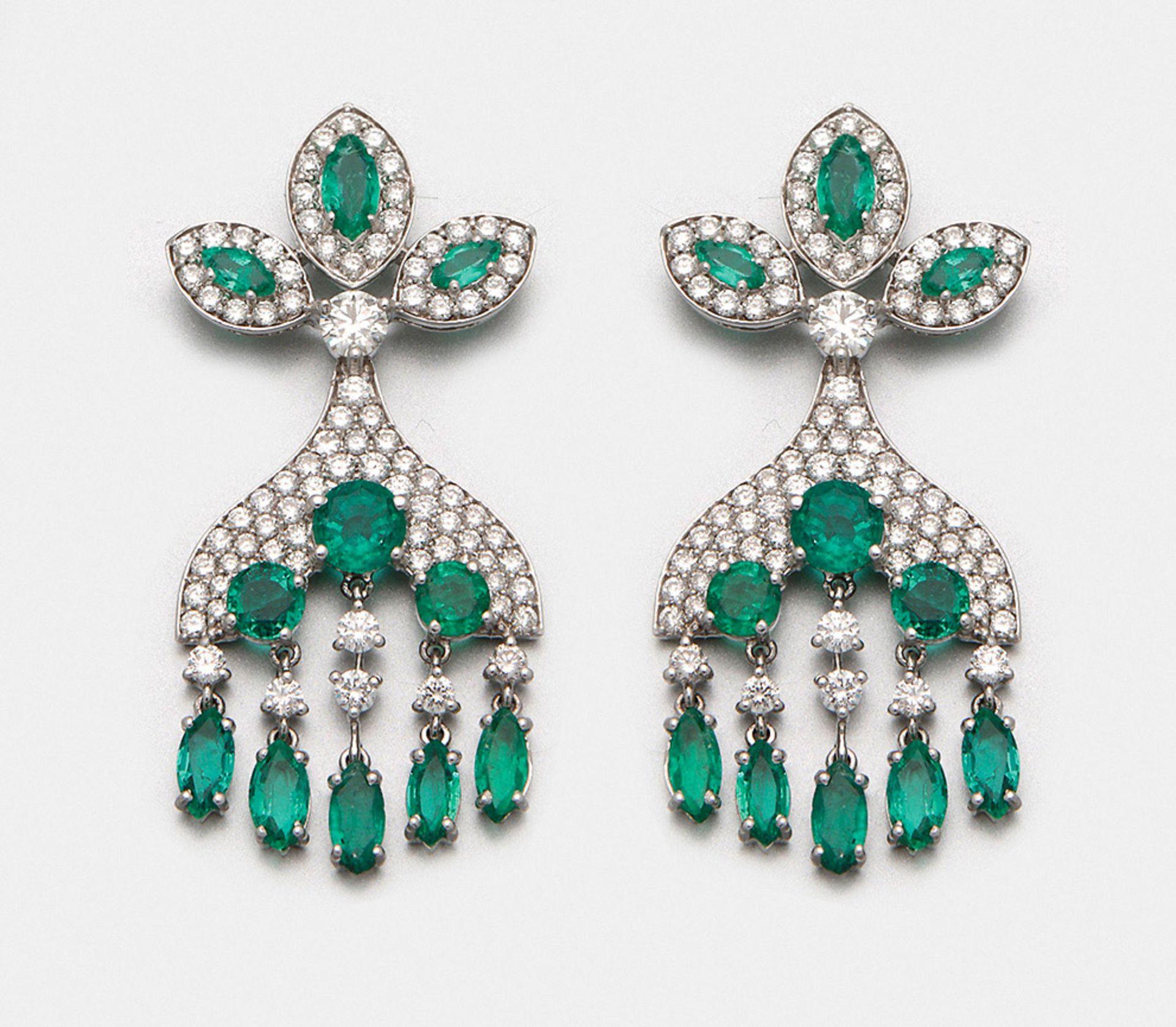 Paar Smaragd-Chandeliers