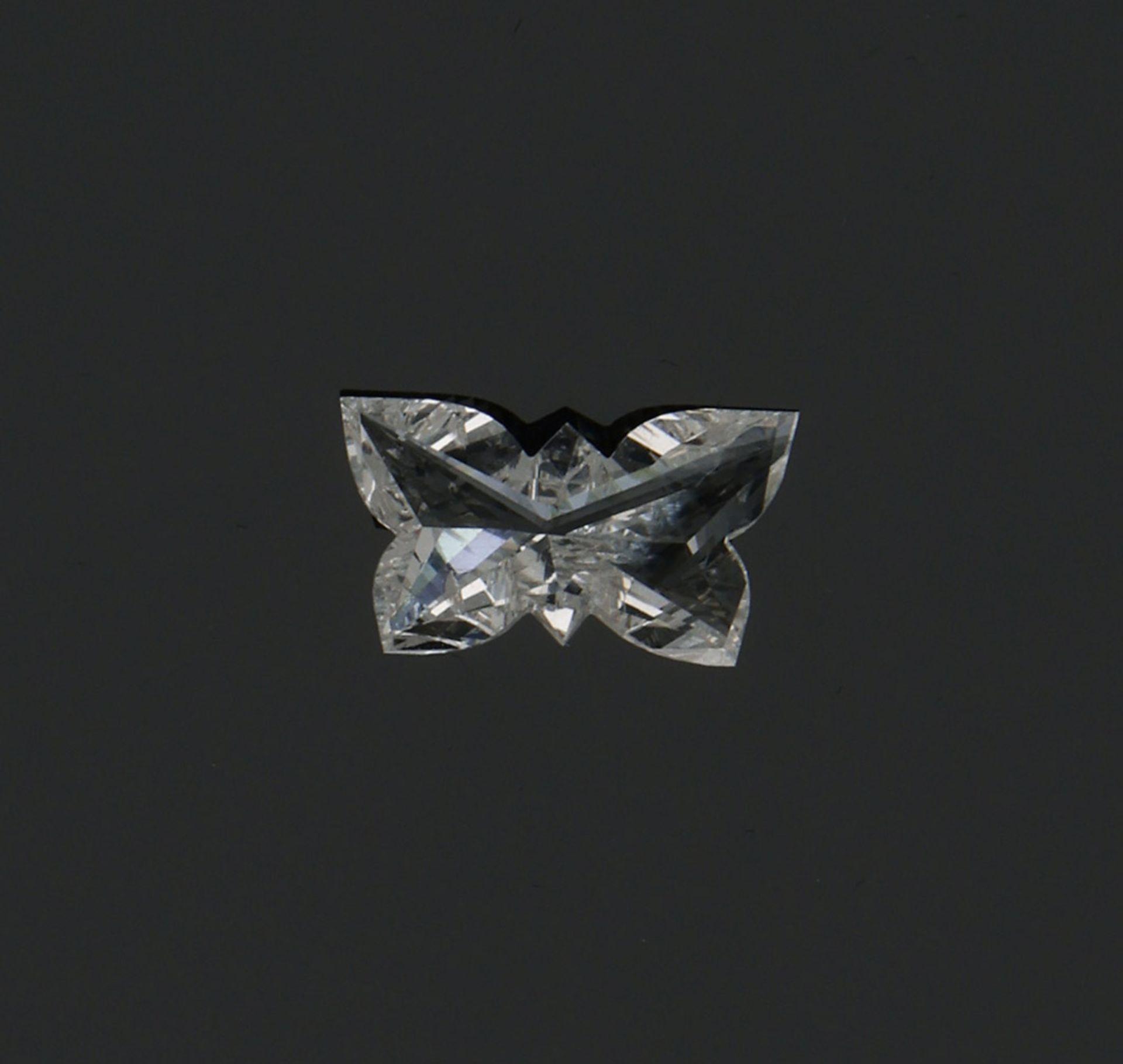 Extravaganter Diamantsolitär im Butterflycut