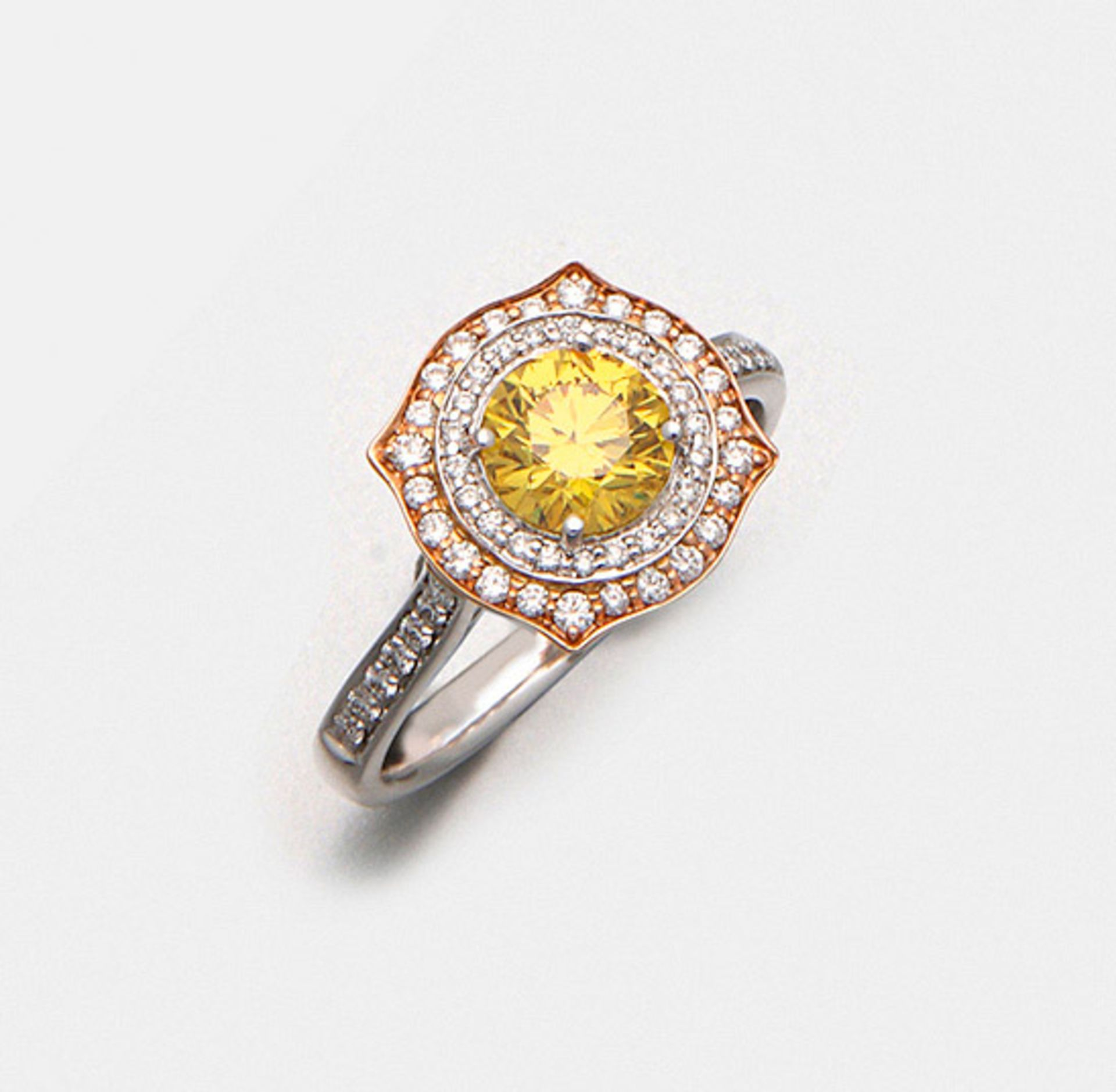 Eleganter Fancy-Vivid-Yellow-Brillantring