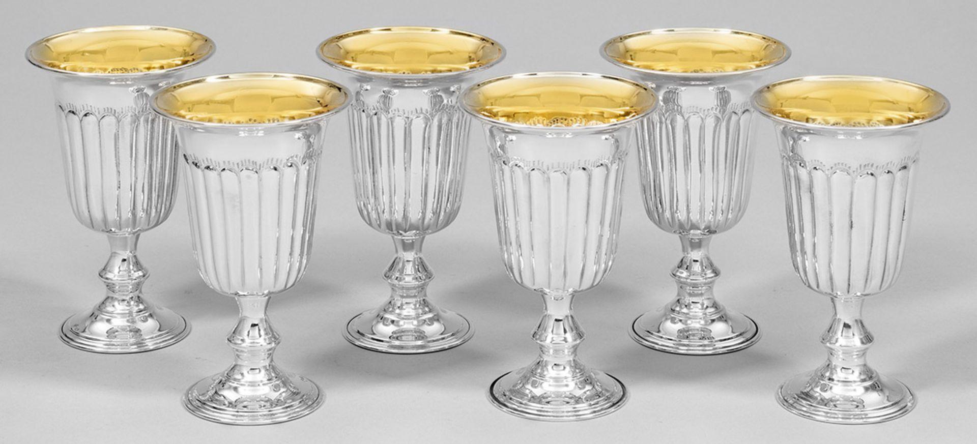 Sechs Weinpokale