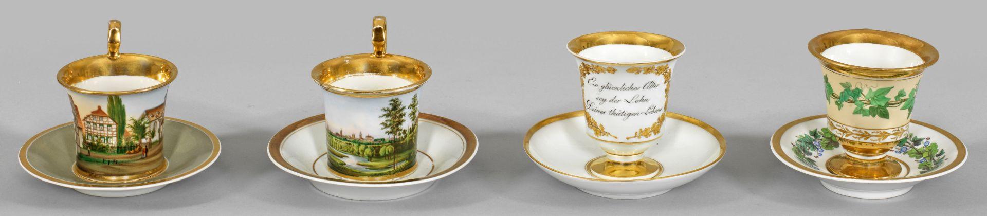 Vier Biedermeier-Tassen
