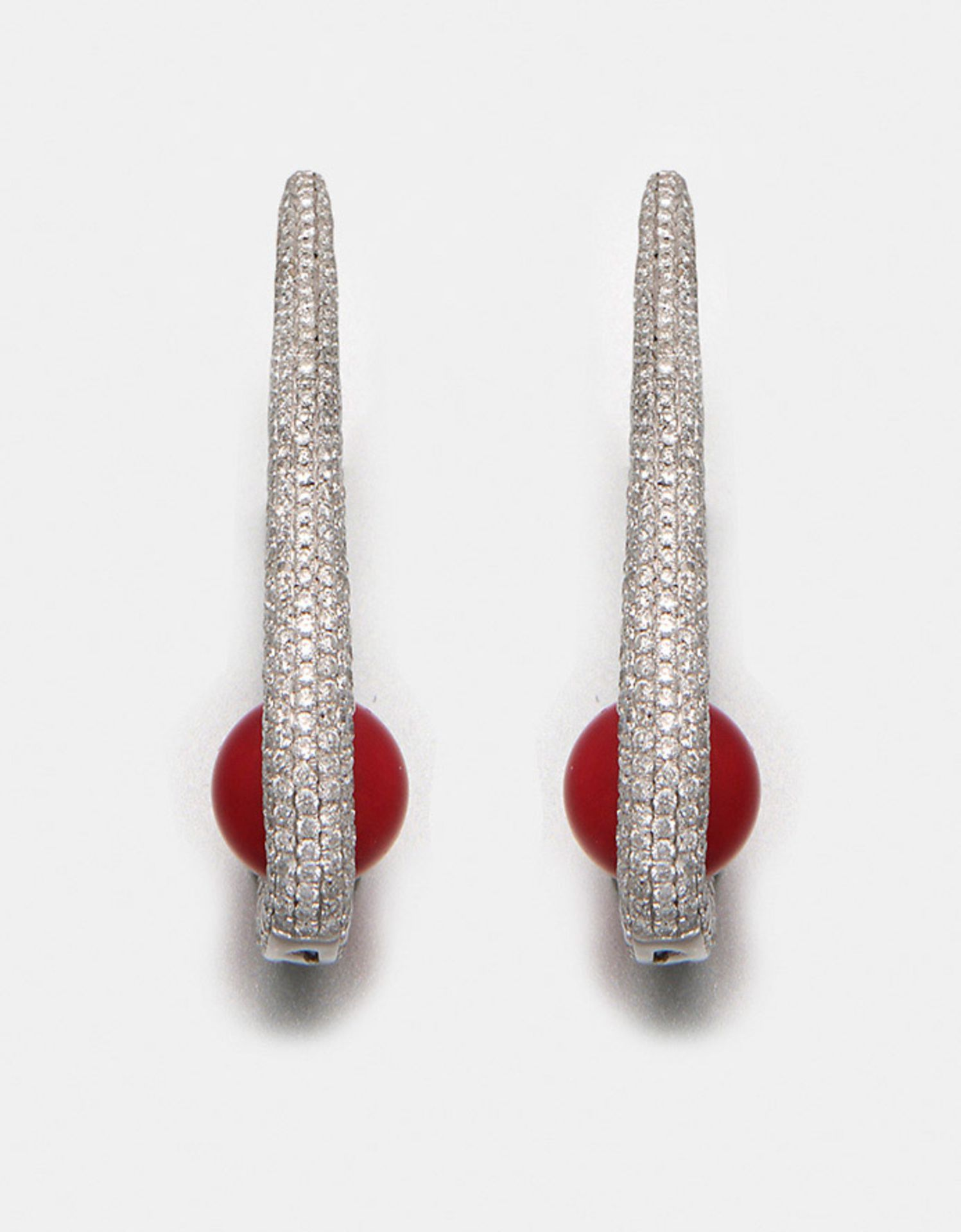 Paar extravagante Diamant-Ohrringe mit Moro-Korallen