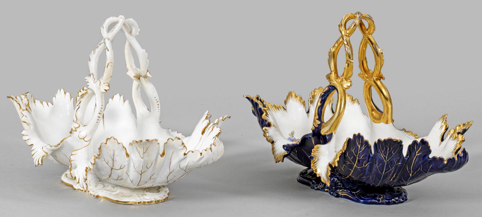 Paar Zierkörbe mit Blumendekor